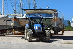 Traktor zieht SolarWave